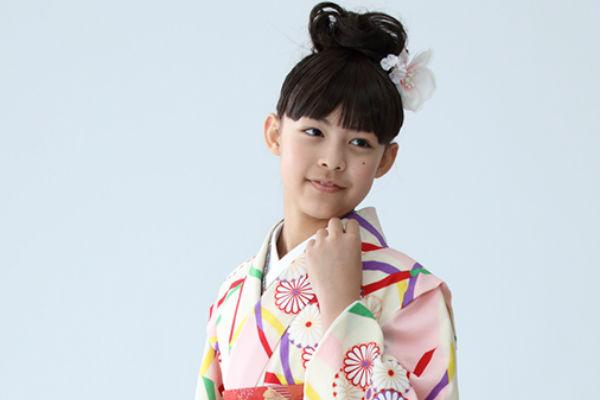 小学校の卒業式で女の子に袴を着せるのは変?