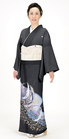 絽・黒留袖レンタルTRB047R B1(身長155cm前後・ヒップ100-110cm位の方用)
